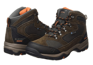 Advantages from a hiking boots review comparison
