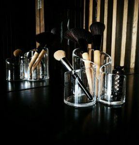 Experiences about Makeup Brushes from Consumers in Review