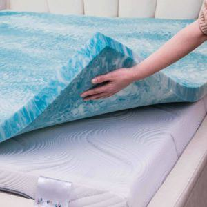 Which mattress topper models are there in a comparison review?
