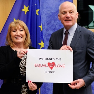 Glenis Willmott MEP and Michael Cashman MEP supporting the campaign