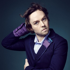 darren hayes fronted the band savage garden and is now a solo artist - Savage Garden Albums