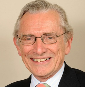 Lord Fowler has called on the Church of England to appoint gay bishops