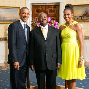 Obama posed for a picture with President Museveni (Photo:  Amanda Lucidon)