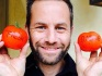 Kirk Cameron is begging his fans to leave good reviews