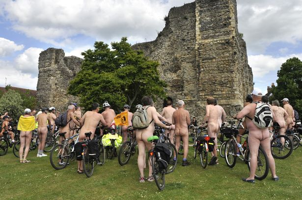 wpid-pay-naked-cyclists-ride-through-canterbury-and-get-stopped-by-police2