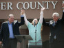 Kim Davis threw her hands in the air when she was released from jail