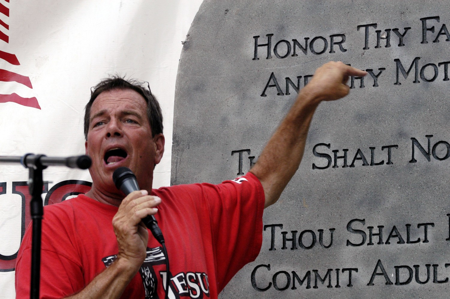 Flip Benham at a rally in 2006 (Getty Images)