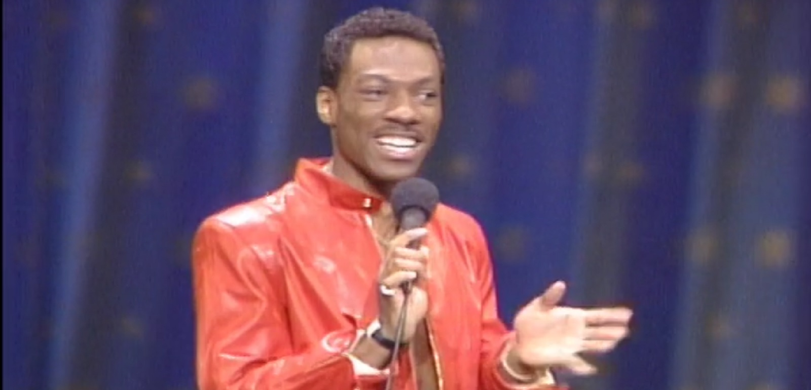 Eddie Murphy delivering a homophobic routine