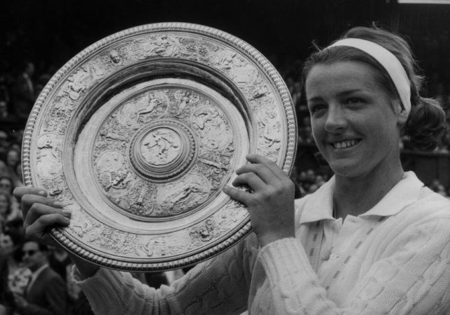 margaret court wins wimbledon