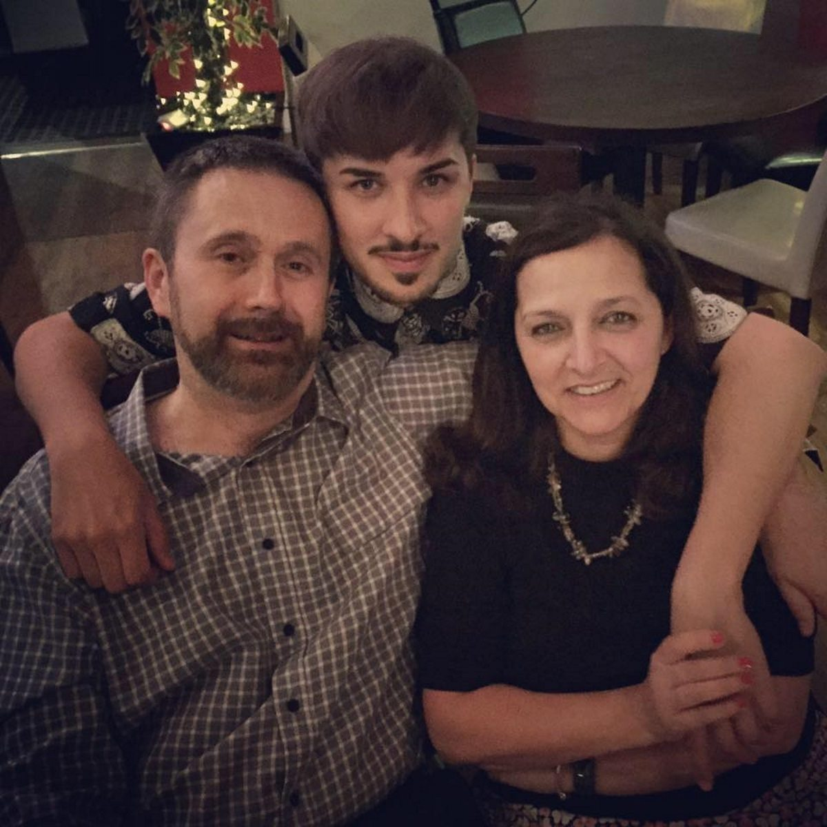 Martyn-Hett-and-parents.jpg