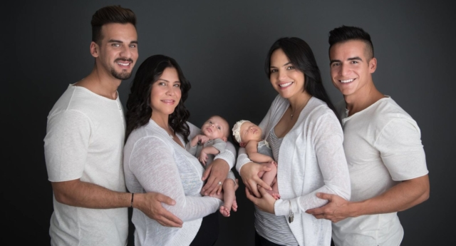 Mothers Mariely Martinez (left) and Carla Melendez, (right) with fathers Juny Roman (left) and Alex Torres (right) and newborns Matteo and Marla (from TuKe Photography)
