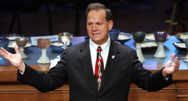 Roy Moore: NFL players protesting anthem are breaking the law