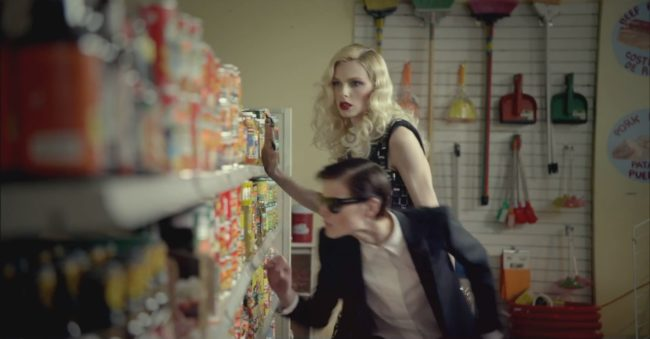 Andreja Pejic in David Bowie's The Stars (Are Coming Out) video
