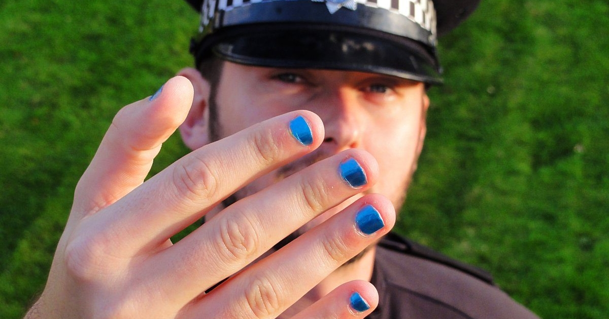 Newspapers attack male police officers for painting their nails ...
