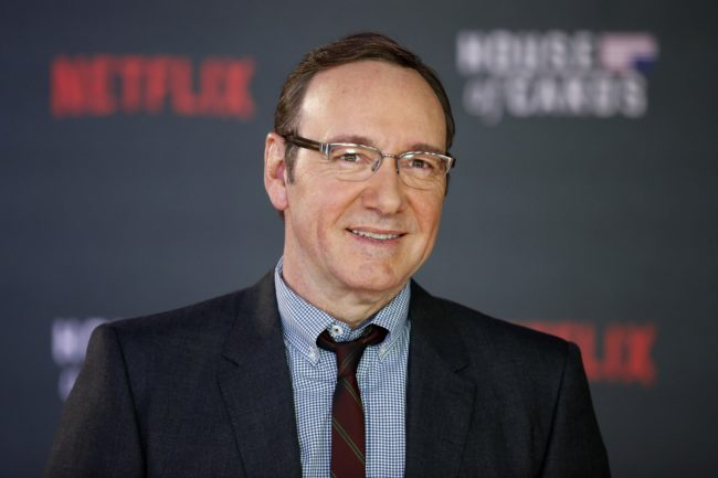 US actor Kevin Spacey poses for photographers on the red carpet ahead of the world premiere of the television series 'House of Cards - Season 3 Episode 1' in London on February 26, 2015. AFP PHOTO / JUSTIN TALLIS (Photo credit should read JUSTIN TALLIS/AFP/Getty Images)