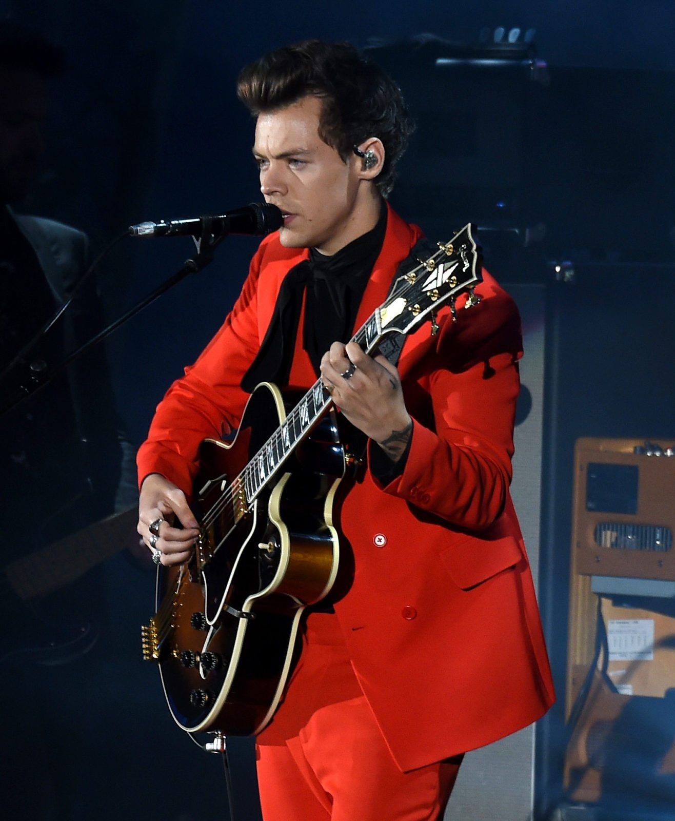 LOS ANGELES, CA - OCTOBER 21: Harry Styles performs onstage at CBS RADIO's We Can Survive 2017 at The Hollywood Bowl on October 21, 2017 in Los Angeles, California. (Photo by Kevin Winter/Getty Images for CBS RADIO)