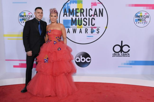 LOS ANGELES, CA - NOVEMBER 19:  Carey Hart and P!nk attend the 2017 American Music Awards at Microsoft Theater on November 19, 2017 in Los Angeles, California.  (Photo by Neilson Barnard/Getty Images)