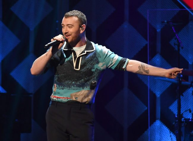 Sam Smith performs at the Z100's iHeartRadio Jingle Ball 2017 at Madison Square Garden on December 7, 2017 in New York. / AFP PHOTO / ANGELA WEISS (Photo credit should read ANGELA WEISS/AFP/Getty Images)