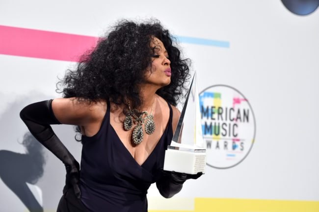 LOS ANGELES, CA - NOVEMBER 19:  Diana Ross poses in the press room during the 2017 American Music Awards at Microsoft Theater on November 19, 2017 in Los Angeles, California.  (Photo by Alberto E. Rodriguez/Getty Images)