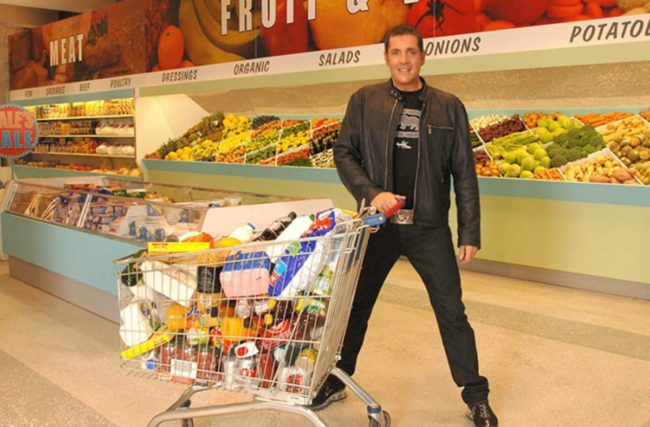 Dale Winton in action (Supermarket Sweep)