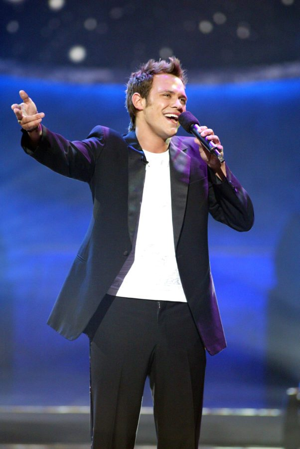 "British Idol winner and pop star Will Young performs at FOX-TV's ""American Idol"" finals at the Kodak Theatre in Hollywood, Ca. Tuesday, Sept. 3, 2002. Photo by Kevin Winter/ImageDirect."