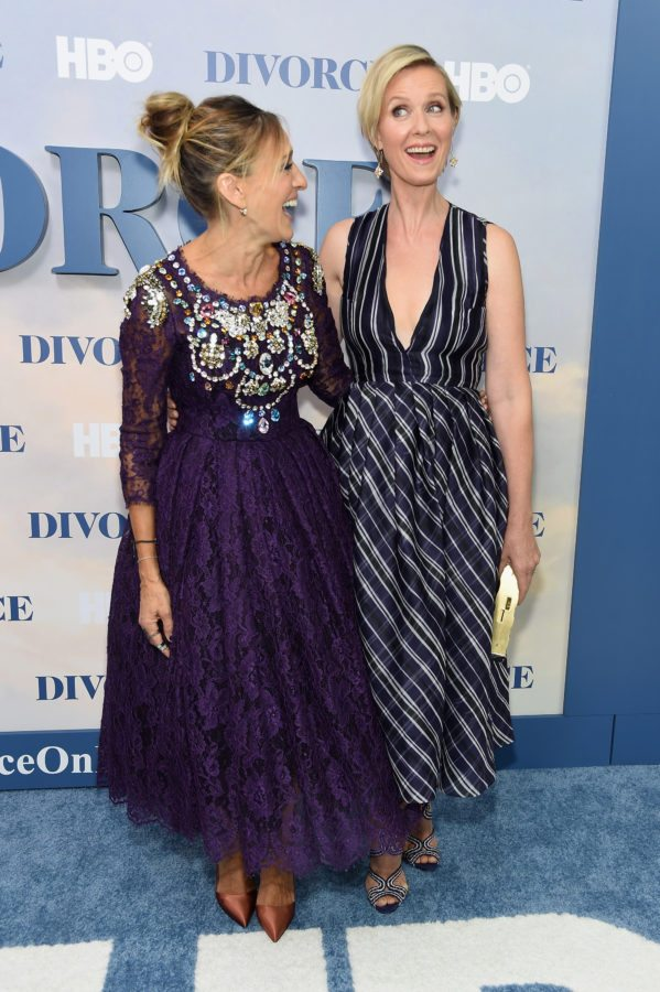 """NEW YORK, NY - OCTOBER 04:  Sarah Jessica Parker and Cynthia Nixon attend the """"Divorce"""" New York Premiere at SVA Theater on October 4, 2016 in New York City.  (Photo by Jamie McCarthy/Getty Images)"""