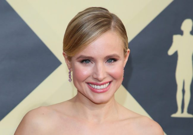 Kristen Bell arrives for the 24th Annual Screen Actors Guild Awards at the Shrine Exposition Center on January 21, 2018, in Los Angeles, California. / AFP PHOTO / Jean-Baptiste LACROIX        (Photo credit should read JEAN-BAPTISTE LACROIX/AFP/Getty Images)