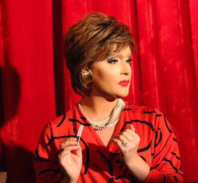 drag queen in red