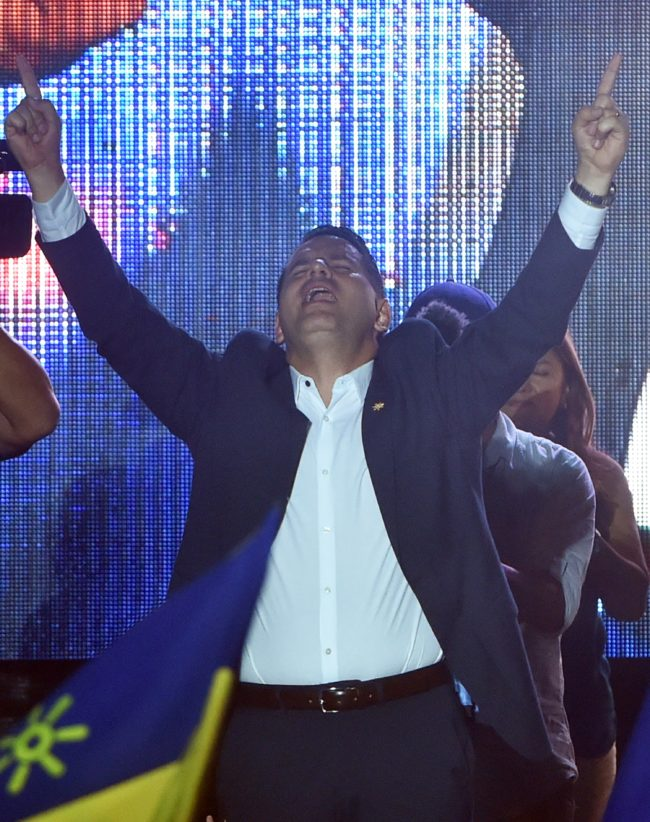 Costa Rican presidential candidate Fabricio Alvarado of the National Restoration Party (PRN) prays on stage before supporters following defeat in Costa Rica's run-off election on April 1, 2018 in San Jose.  Carlos Alvarado, the candidate for Costa Rica's center-left ruling party, is to become his country's next president after an election run-off Sunday against an evangelical preacher, according a near-complete vote count by electoral authorities.   / AFP PHOTO / RODRIGO ARANGUA        (Photo credit should read RODRIGO ARANGUA/AFP/Getty Images)