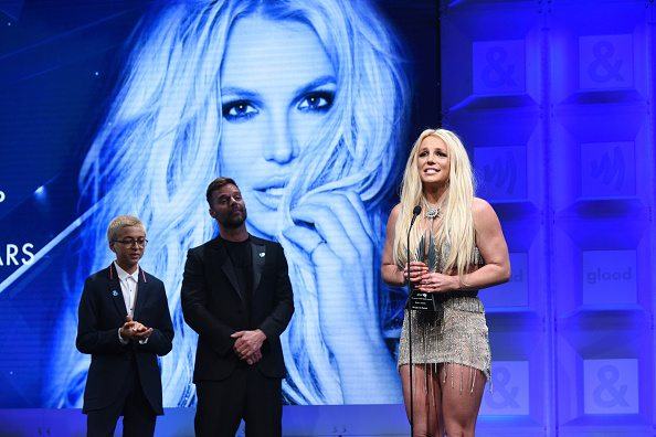 BEVERLY HILLS, CA - APRIL 12: Honoree Britney Spears accepts the Vanguard Award from Ricky Martin and J.J. Totah onstage at the 29th Annual GLAAD Media Awards at The Beverly Hilton Hotel on April 12, 2018 in Beverly Hills, California. (Photo by Vivien Killilea/Getty Images for GLAAD)
