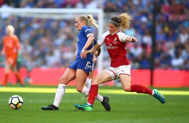 Katie Chapman of Chelsea holds off pressure from Dominique Janssen of Arsenal of Arsenal during the SSE Women's FA Cup Final match between Arsenal Women and Chelsea Ladies (Jordan Mansfield/Getty Images)