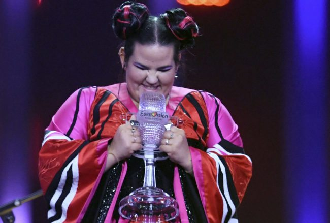 Israel's singer Netta Barzilai aka Netta celebrates with the trophy after winning the final of the 63rd edition of the Eurovision Song Contest 2018 at the Altice Arena in Lisbon, on May 12, 2018. (Photo by Francisco LEONG / AFP)        (Photo credit should read FRANCISCO LEONG/AFP/Getty Images)