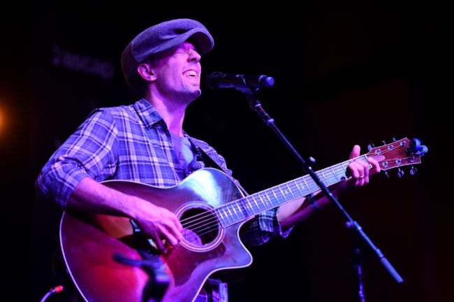 "HOLLYWOOD, CA - MAY 07: Singer/Songwriter Jason Mraz performs onstage at the 'We Create Music Center Stage' showcase during The 2018 ASCAP ""I Create Music"" EXPO at Loews Hollywood Hotel on May 7, 2018 in Hollywood, California. (Photo by Alberto E. Rodriguez/Getty Images for ASCAP)"