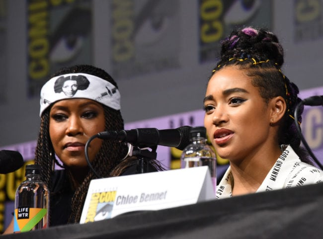"""SAN DIEGO, CA - JULY 21: Regina King (L) and Amandla Stenberg attend the """"Entertainment Weekly Women Who Kick Ass"""" panel during Comic-Con International 2018 at San Diego Convention Center on July 21, 2018 in San Diego, California. (Photo by Araya Diaz/Getty Images for Entertainment Weekly)"""