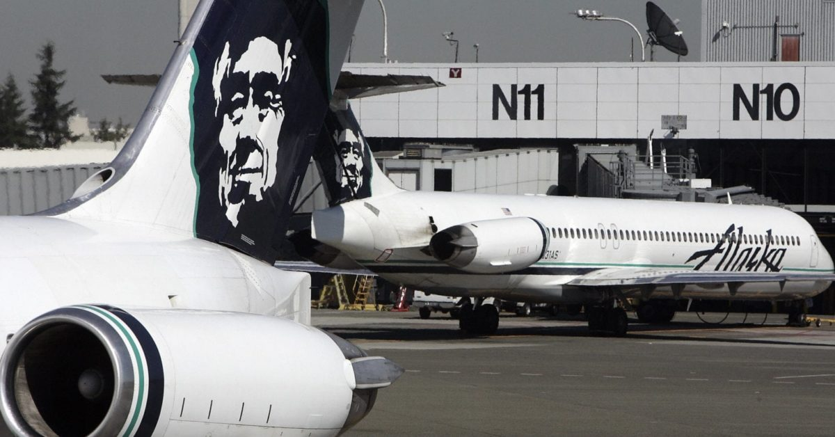 Alaska Airlines planes are seen at Seattle-Tacoma International Airport 25 September, 2006 (Gabriel Bouys/AFP/Getty)