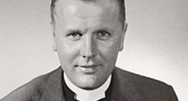 Gay pastor Robert Wood has passed away aged 95. (Equality Forum)