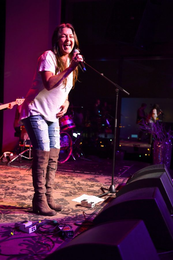 """Gretchen Wilson, who revealed her """"gusband"""" is Chad Laboy"""