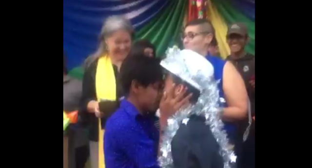 Pedro and Erick married in front of journalists and human rights workers (Twitter/SarahKinosian)