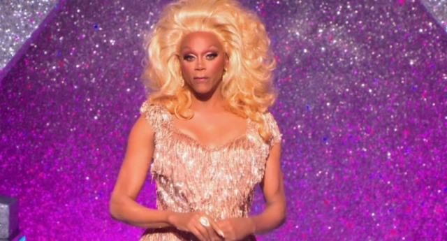 RuPaul's Drag Race will unite former contestants for a Christmas special.
