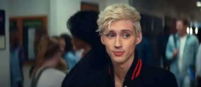 Troye Sivan alludes to Ariana Grande lesbian rumours in a teaser for thank u, next
