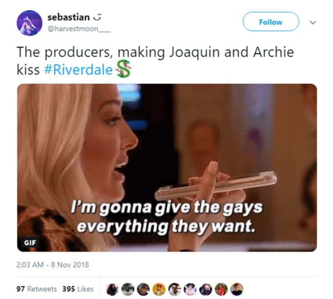 Tweet about Archie and Joaquin's gay kiss