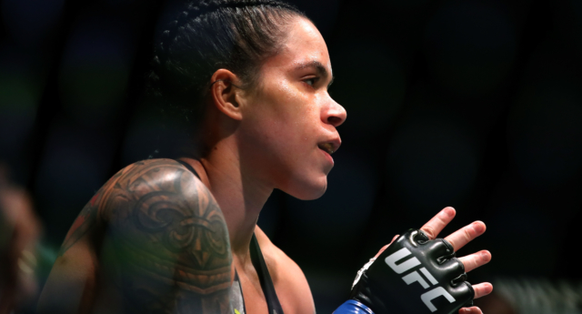 Amanda Nunes defeated Cris Cyborg by TKO in the first round