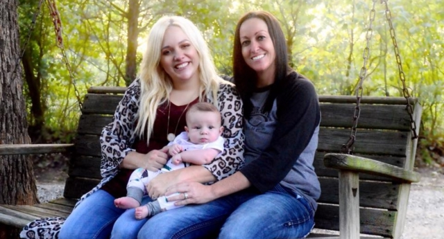 Ashleigh (left) and Bliss (right) Coluter with baby Stetson (Ashleigh Coulter/facebook)