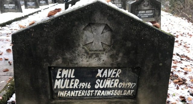 Writer Guillem Clua spotted the tombstone in a cemetery in Romania.  (Guillem Clua)