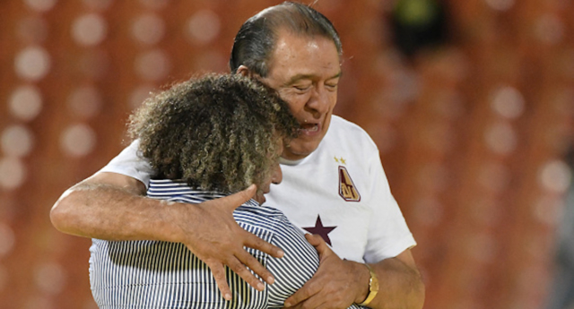 Alberto Gamero coach of Deportes Tolima hugs with Gabriel Camargo (right), CEO of the club, after their team winning the Liga Aguila I 2018 the second leg match between Atletico Nacional and Deportes Tolima as part of the Liga Aguila I final on June 9, 2018 in Medellin, Colombia. (Gabriel Aponte/Vizzor Image/Getty)