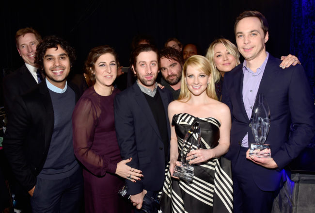 "The Big Bang Theory stars Kunal Nayyar, Mayim Bialik, Simon Helberg, Johnny Galecki, Melissa Rauch, Kaley Cuoco and Jim Parsons, with the award for ""Favorite TV Show,"" attend the People's Choice Awards 2016."