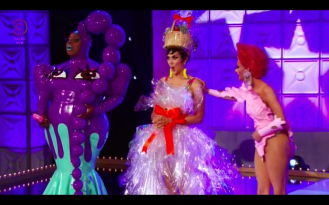 RuPaul's Drag Race All Stars 4 Club Bee