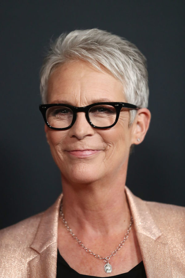 Jamie Lee Curtis to make film about woman who stands in for absent mums at gay weddings