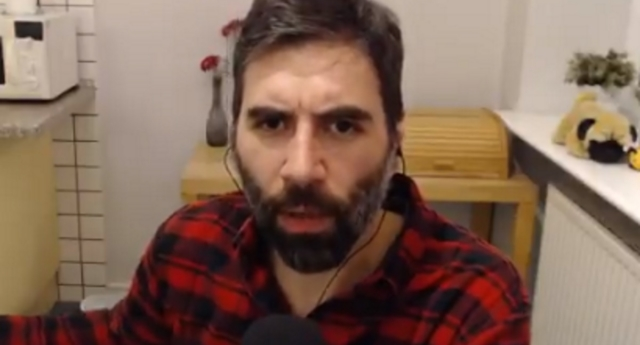 Roosh V has said that enjoying women's butts makes you want to have anal sex (rooshv/twitter)