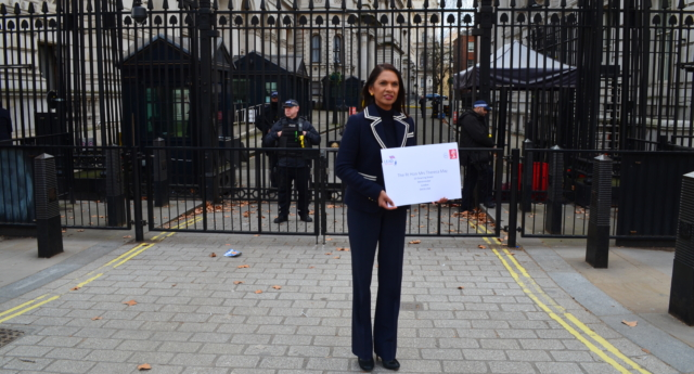 Gina Miller delivering a letter to Downing Street, setting out her proposals for Theresa May to Lead, Not Leave over Europe. (Supplied)